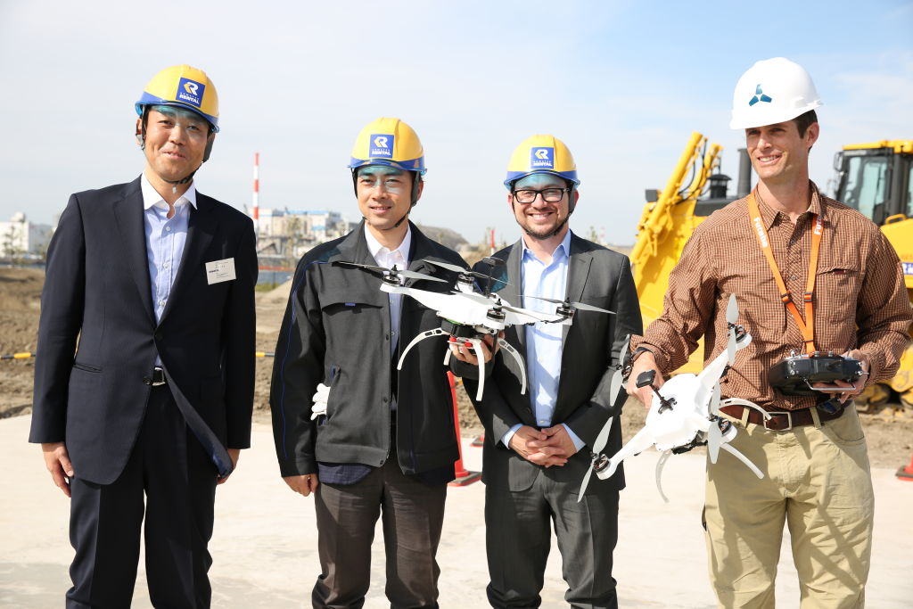 Smart Construction President, Chikashi Shike and Skycatch CEO, Christian Sanz joined by Japanese Politician, Shinjirō Koizumi, for demo in Japan